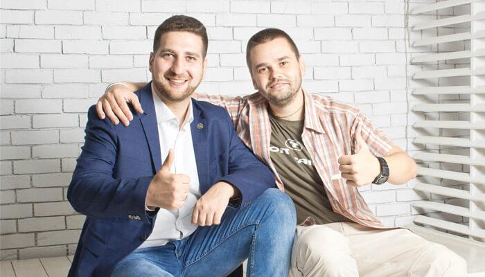 """Основатели проекта """"ПАПА ПОМОГ"""" Александр Бережнов и Эдуард Стембольский"""