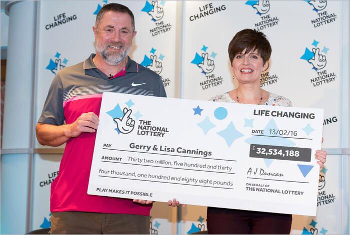Люди выиграли в лотерею-32-миллиона долларов
